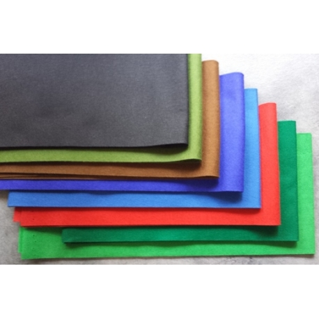 Filc ozdobny niebieski  gr 1 mm 160 x 20 cm